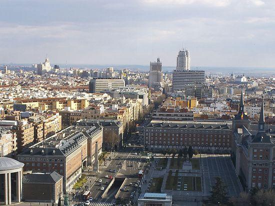 799px-Madrid_Skyline_II