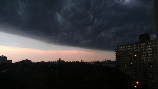 Here comes the derecho! Bronx, NY 7-25 pm