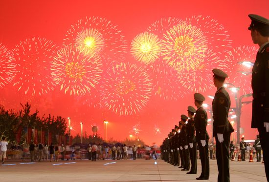 GT_CHINA-FIREWORKS_120801
