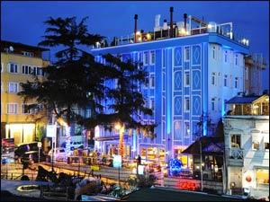 Istanbul-blue-house-1