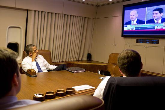 Obama_Watching_Debate