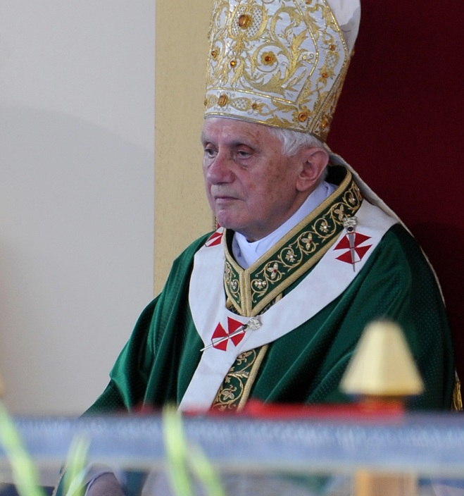 ITALY-POPE-CELESTIN-BENEDICT XVI-RESIGN-FILES