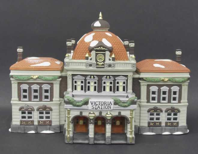 Victoria Station Miniature - Copy