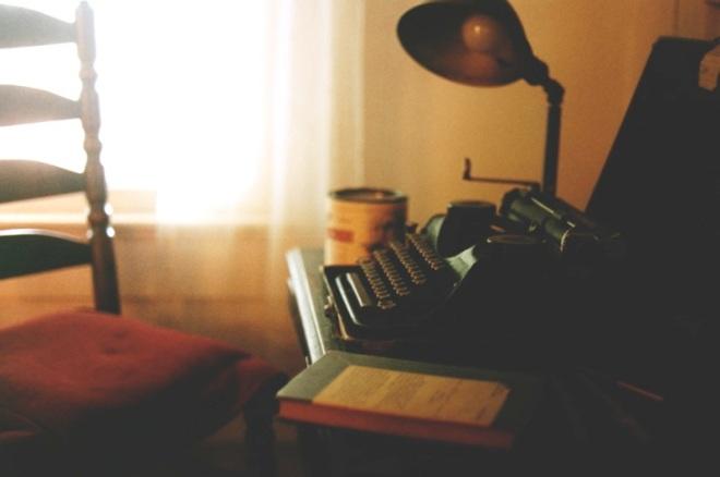 dish_faulknertypewriter