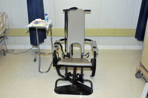 gitmo-feeding-chair630