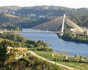 300px-Puente_Coimbra2