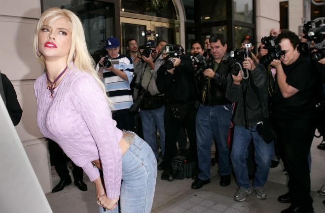 "Anna Nicole Smith Appears In PETA's ""Gentlemen Prefer Fur-Free Blondes"""