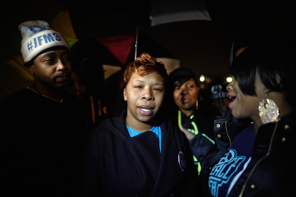 Mother of Michael Brown Addresses Protesters
