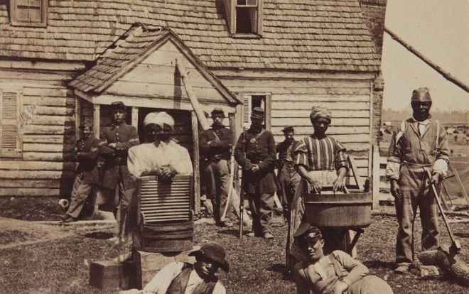 1024px-Contrabands_at_Headquarters_of_General_Lafayette_by_Mathew_Brady