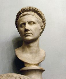 640px-Bust_of_augustus
