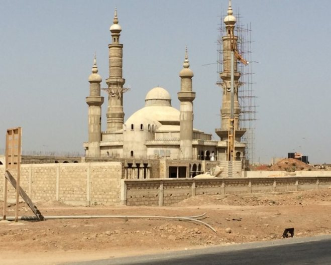 a-new-mosque-going-up-on-the-entrance-of-Dakar